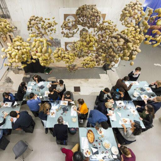 Each Step Yields Depth, publiek programma/diner met kunstenaar Chloë Bass als onderdeel van Trainings for the Not-Yet, BAK, basis voor actuele kunst, Utrecht, fotograaf: Tom Janssen